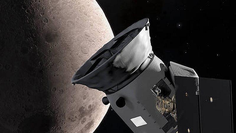 NASA's TESS Swings by Moon, Clicks First Image - Droidoo
